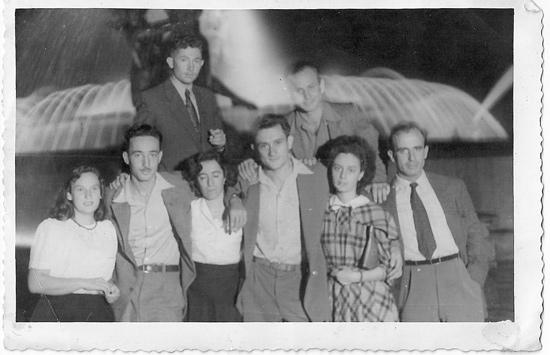 מאיר בינט ברומא 1948 עם  חברים מהגדעונים
